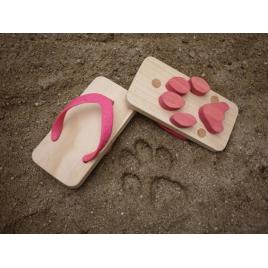 Tongs Ashiato empreintes de chat de la marque japonaise Kiko + sur LaCorbeille.fr