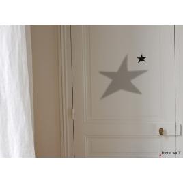 Sticker Ombre Etoile de la collection Poeticwall du duo Mel et Kio sur LaCorbeille.fr