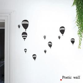 Sticker Toutes les Montgolfières de la collection Poetic Wall sur LaCorbeille.fr