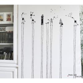 Sicker Tout La-Haut- La Maison en noir Poetic Wall de Mel et Kio sur LaCorbeille.fr