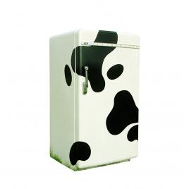 Sticker vache pour frigo de la marque Atypyk sur LaCorbeille.fr