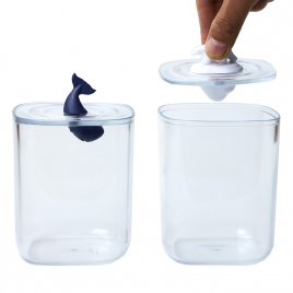 Container with Polar Bear or Whale