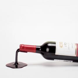 """Porte-bouteille """"Fall in Wine"""" de la marque Ilsang Isang sur LaCorbeille.fr"""