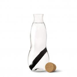 Carafe en verre soufflé avec filtre à charbon rechargeable de Black and Blum sur LaCorbeille.fr