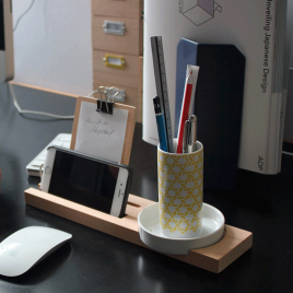 Set de bureau avec pot à crayons Kagome de la marque japonaise Ideaco sur LaCorbeille.fr