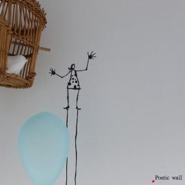 """Stickers mural """"la dame en noir"""" Tout Là-Haut de la Marque Poetic wall® sur LaCorbeille.fr"""