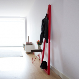 Pendura Wood Coat Hanger