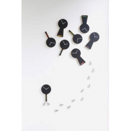 Tablito, magnetic clock and blackboard
